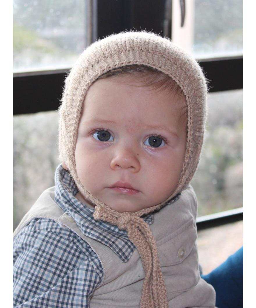 3cc1a2cb2efe8 Gorro de lana para bebé hecho con 2 ovillos de Katia Austral