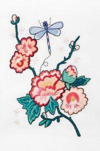 Diagrama para bordar Peonía de verano y libélula de la suerte