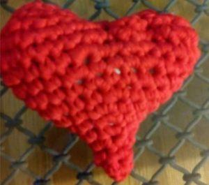 corazón de lana DIY de ganchillo